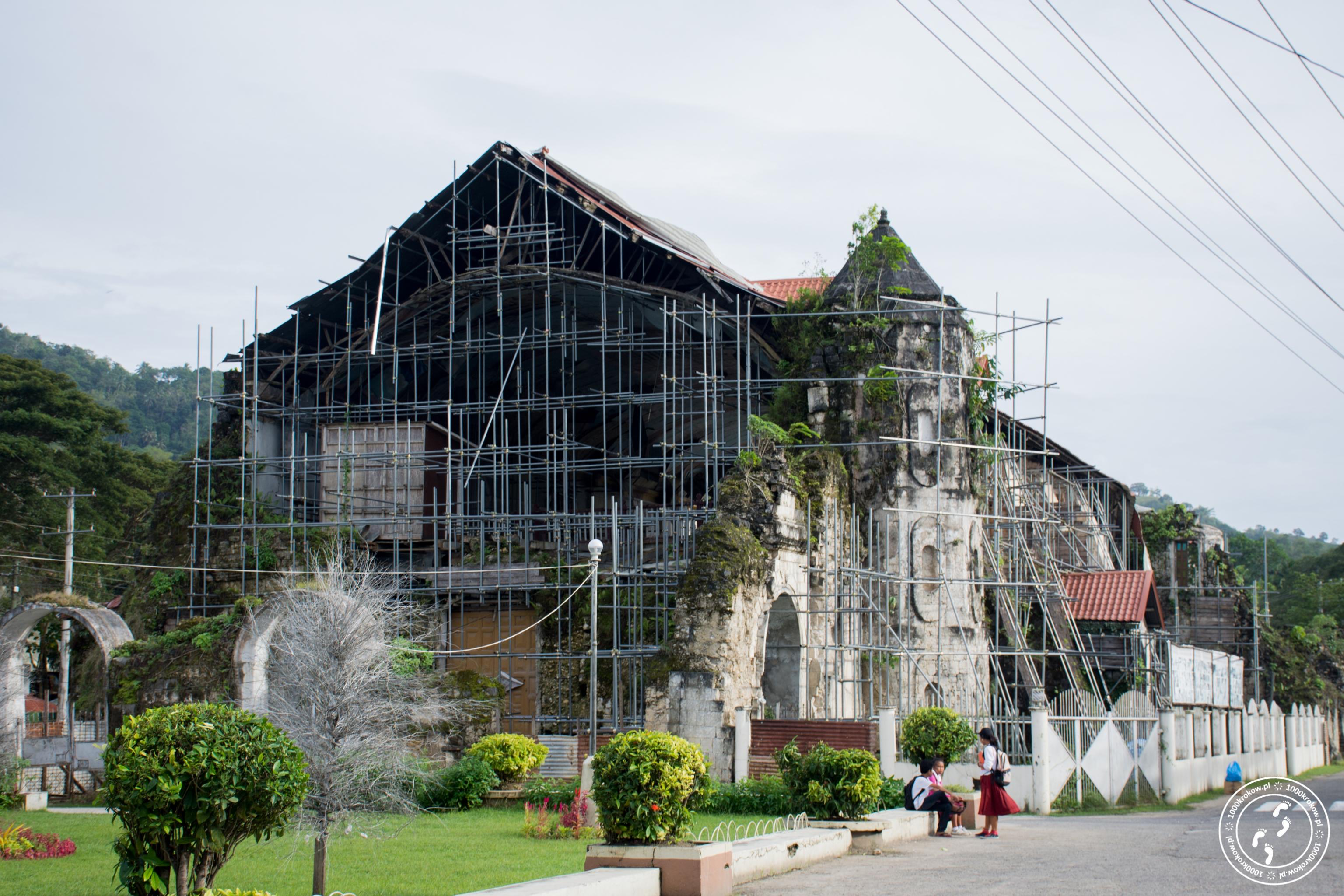 Kościół św. Piotra w Loboc.