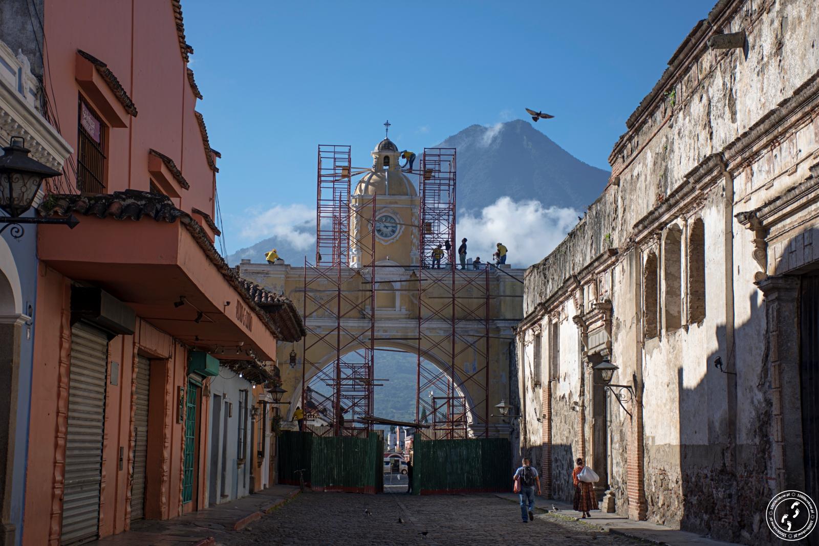 Antigua - Łuk Świętej Katarzyny.