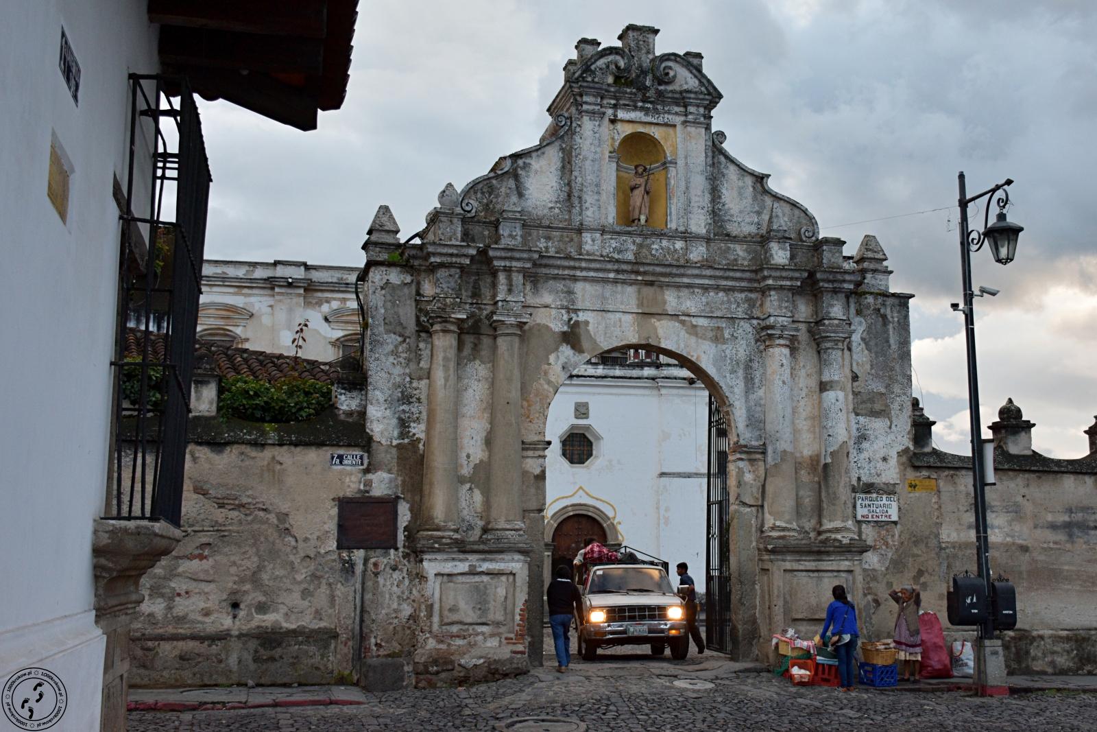 Antigua. Iglesia de San Francisco El Grande